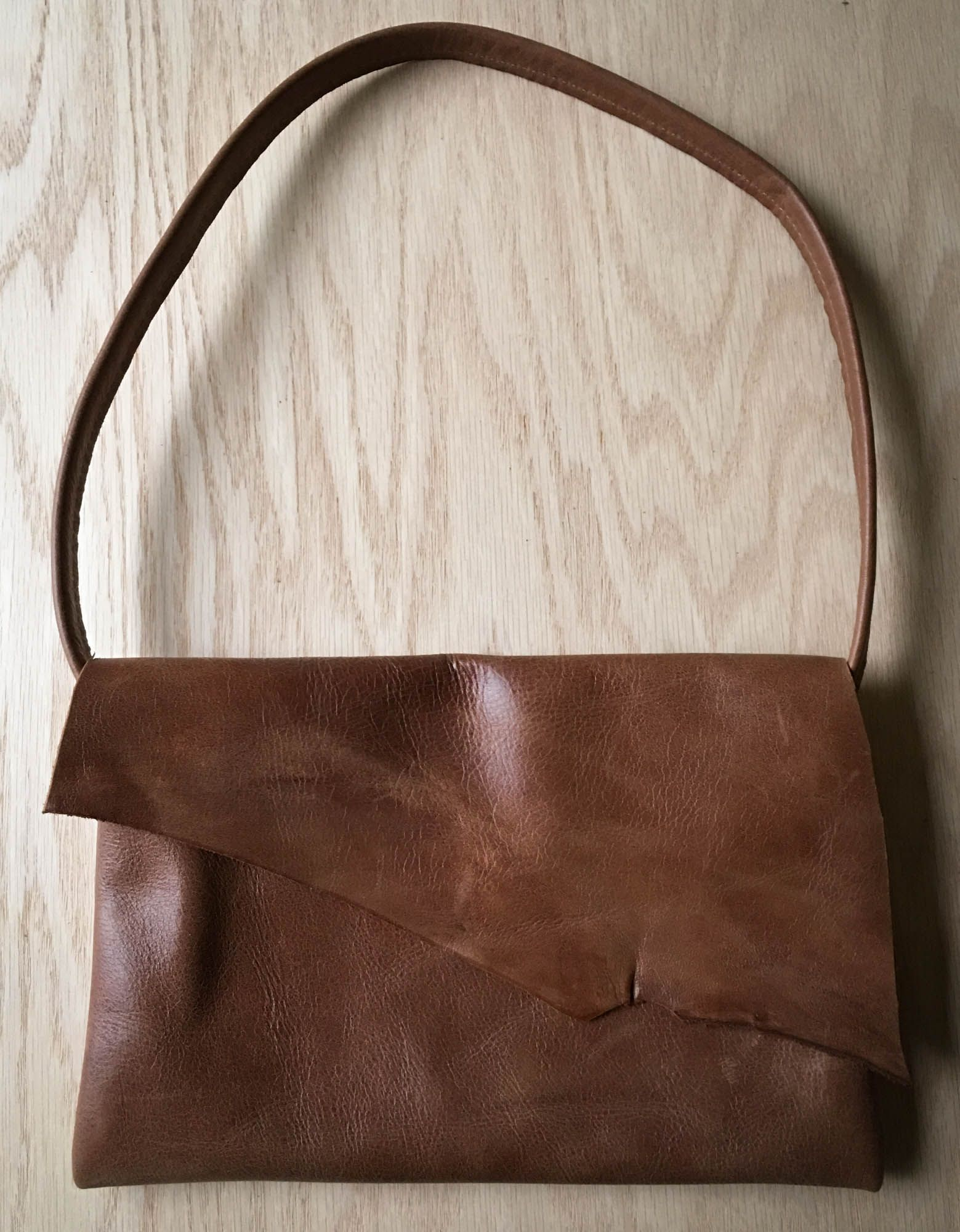 This Dark Leather Purse Is Simple In Design And A True Classic Modeled After Our