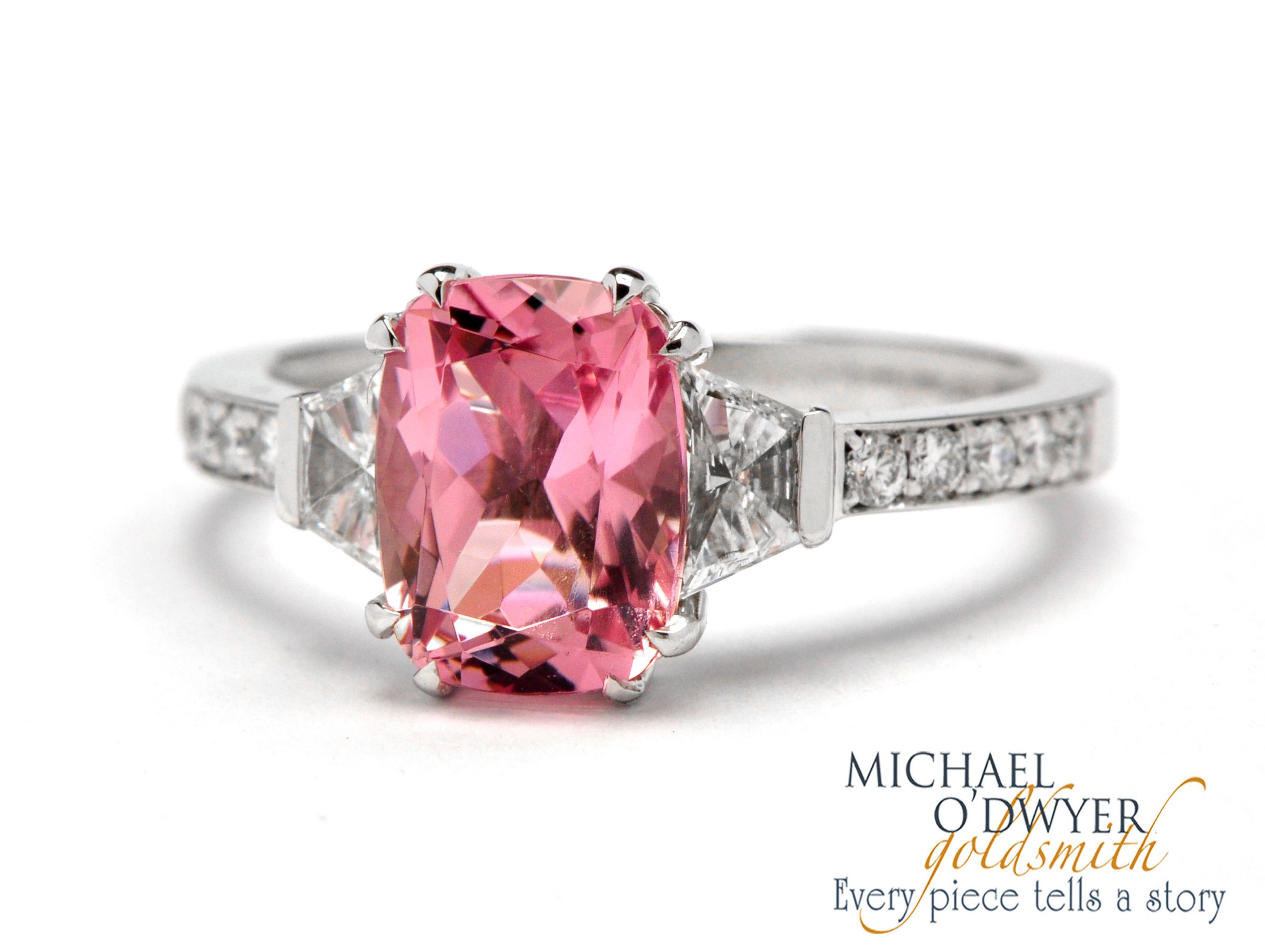5th Avenue Ring - 18ct white gold ring with an pink sapphire ans ...