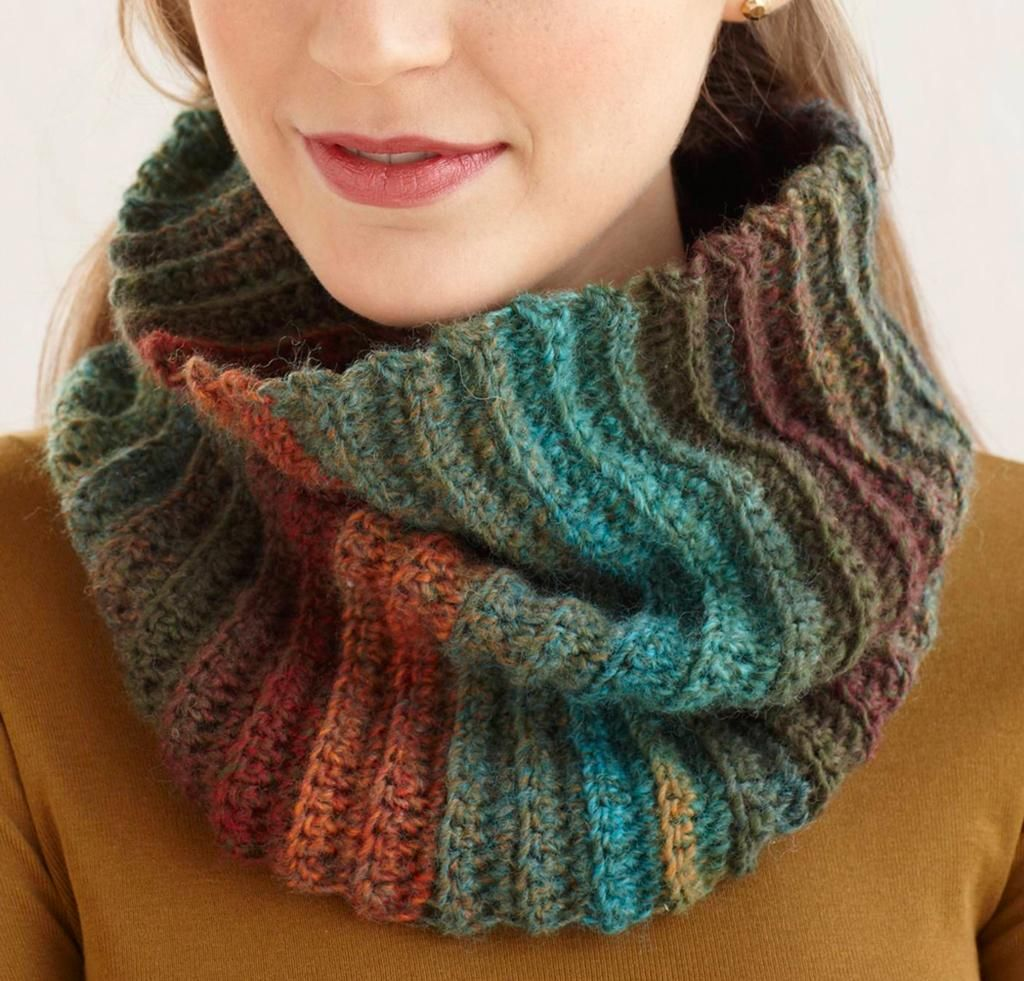 Fast and Easy Cowl Kit - Lion Brand pattern and yarn. (Amazing ...