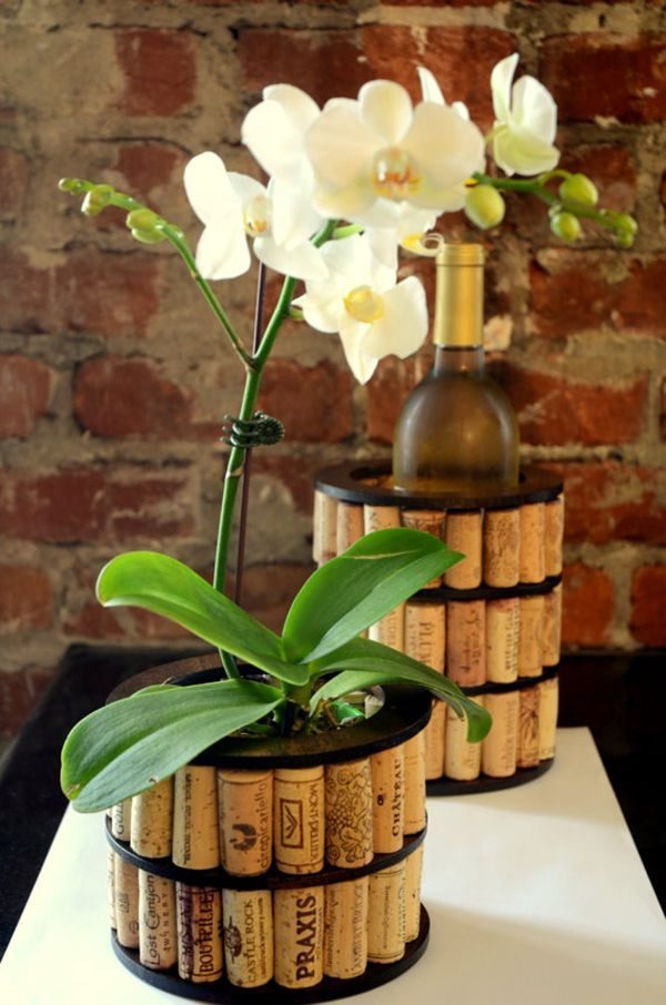 Recycled wine cork vase. These container gardening ideas offer a great way to brighten your surroundings immediately. Make your home look different unique and interesting. <3