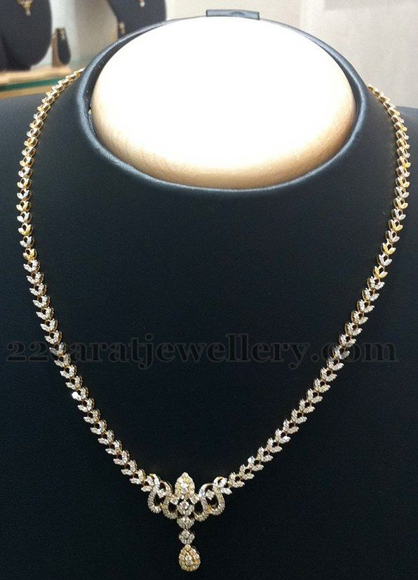 Jewellery designs very simple diamond set by nalli for Simple gold ornaments