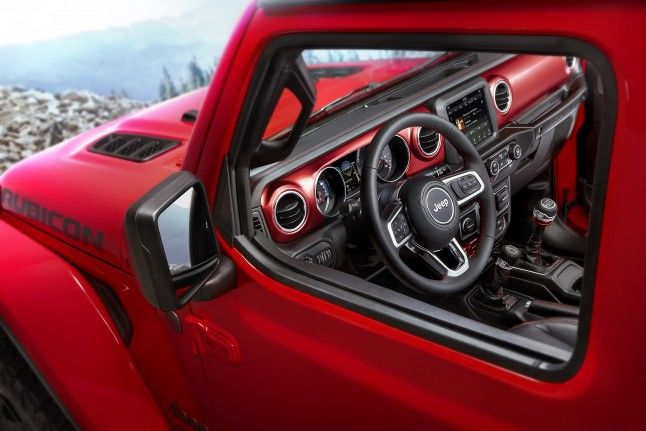 2018 Jeep Wrangler Jl Interior Detailed In New Photos Jeep