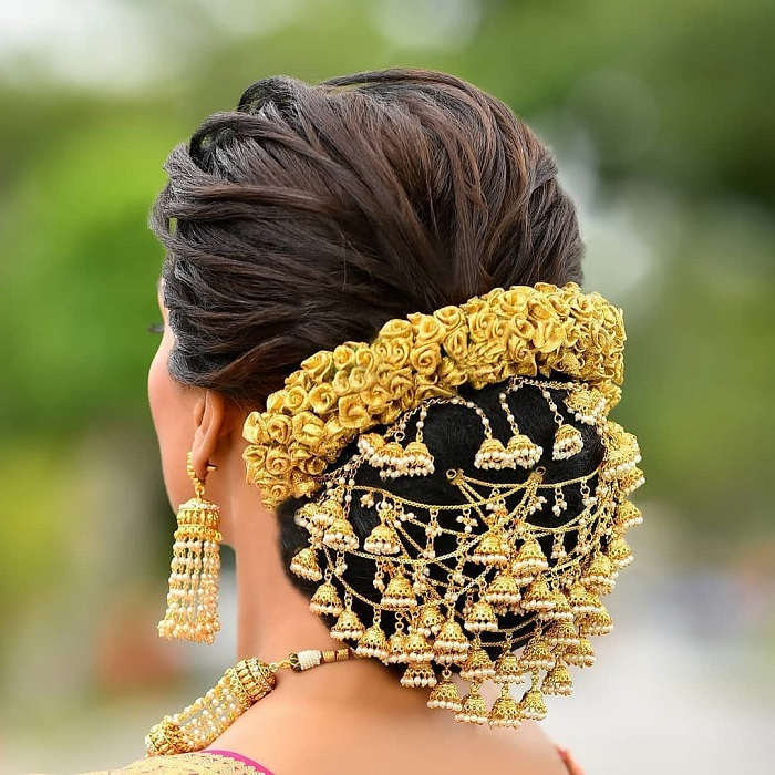 Quirky Wedding Hairstyle: Try Out These Fascinating Hair Jewellery To Flaunt Your
