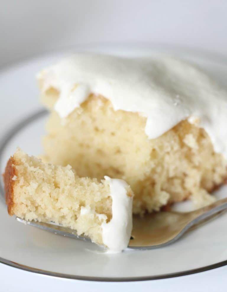 Honey Cake with Marshmallow Buttercream #honeycake