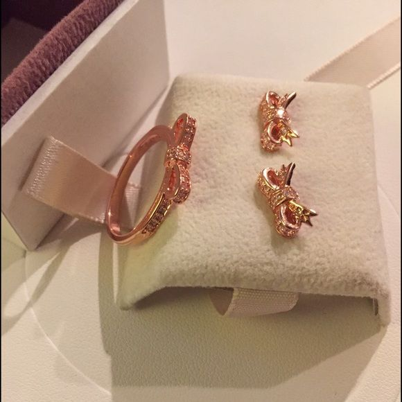 0565c7045 australia pandora rose gold sparkling bow set brand new and authentic  pandora sparkling bow earrings ring