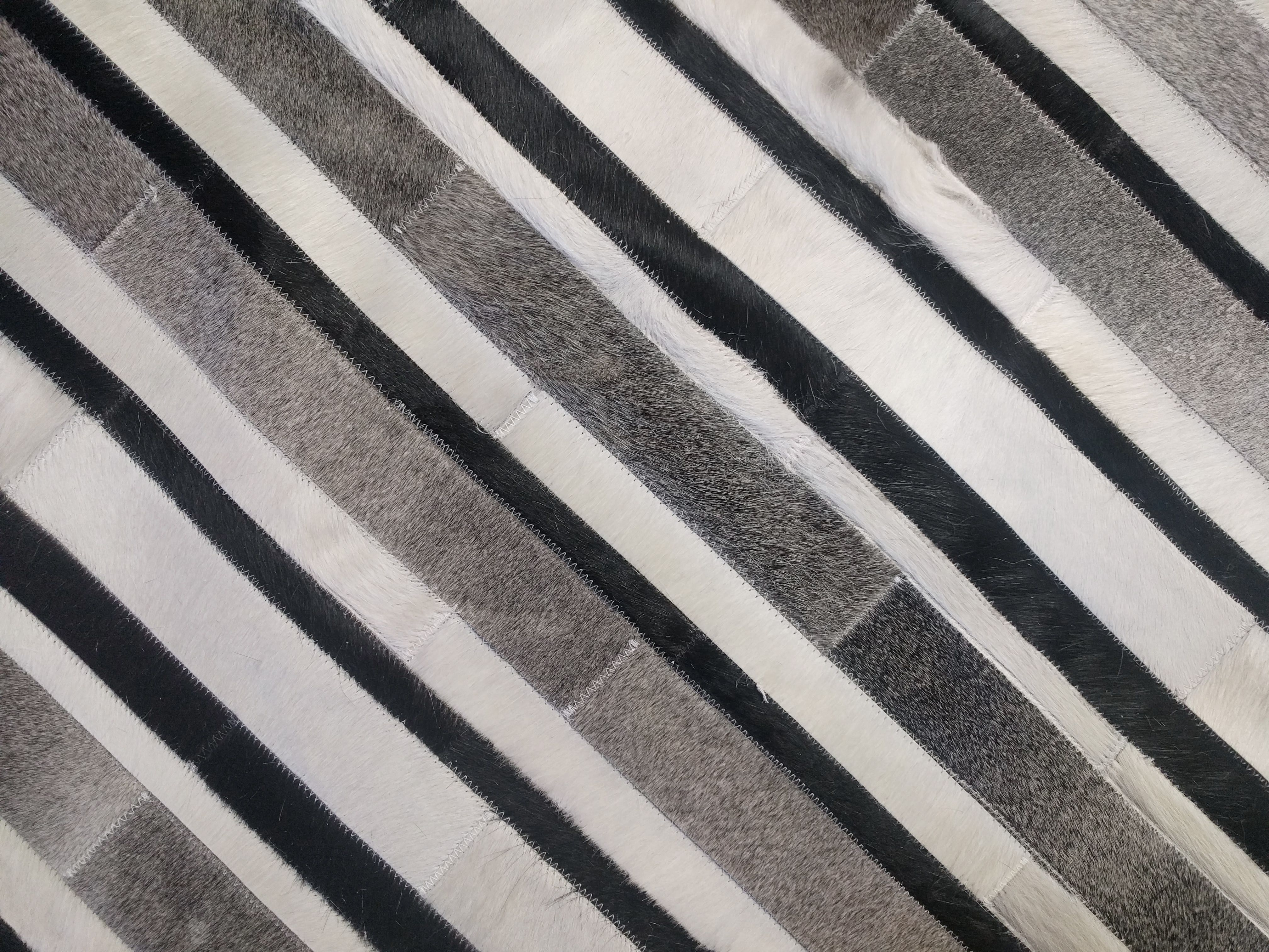 Outdoor Black And White Plaid Rug Perfect For Layered Rug Make Your Front Door Instagram Ready Lay This Beautiful Buffalo Plaid Rug In 2020 Plaid Rug Rugs Porch Rug
