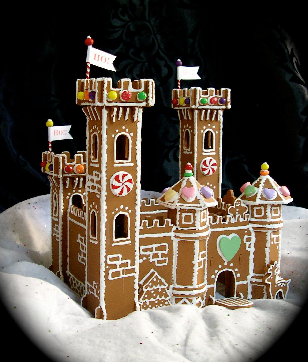 Inspiration for my lifesize gingerbread castle khloe for Gingerbread house inspiration