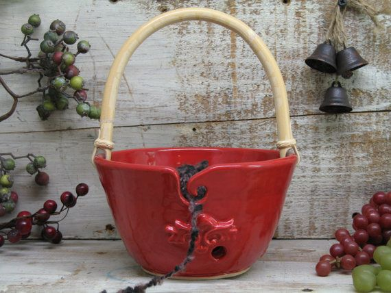 Red Yarn bowl - Knitting bowl - yarn Holder with handle - Hand Made pottery by Heidi #diyyarnholder