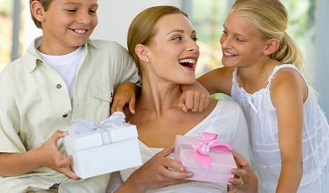 Mother's Day is Sunday, May 8, 2016! Don't forget to tell your client's to book their appointments early.Make sure you have plenty of spray tan solution colors on hand.Call a Sol Potion specialist today to place your order 800-764-4080 Ext 103 or visit our website www.solpotion.com  #solpotion, #mothersday, #momsday, #spraytan