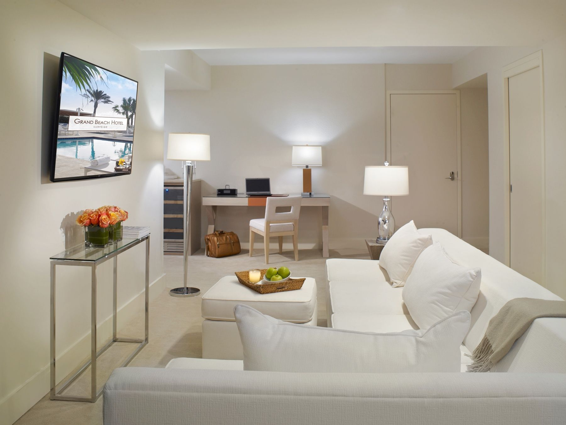 Can You Imagine Lounging In The Comfort Of Your Very Own 3 Bedroom Suite At Grandsurfsidewest Gbsmoment Grand Beach Hotel Bedroom Suite Spacious Living Room