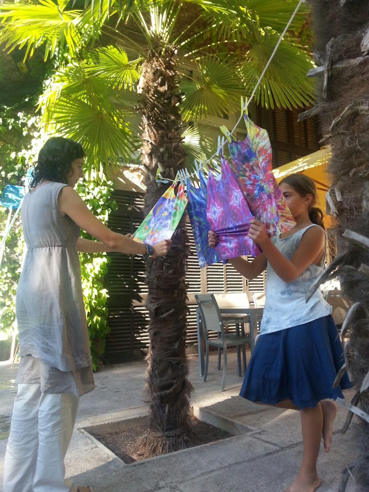 Como les gustan los diseños de las #holos, estampados en los tejidos!! irresistibes!! lluïsa&rosó   www.holoplace.net/info