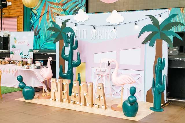 Island Tropical Birthday Party | CatchMyParty.com #tropicalbirthdayparty Island Tropical Birthday Party | CatchMyParty.com #tropicalbirthdayparty