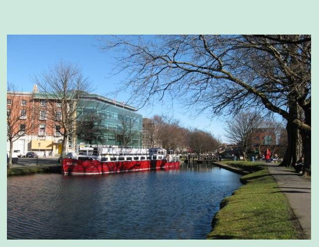 Dublin Canal Cruise Dinner & Live Music