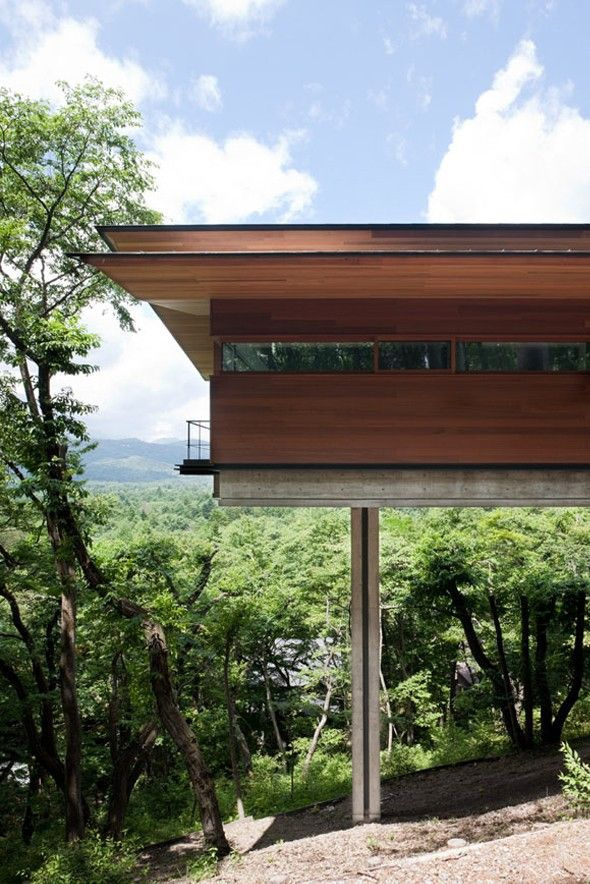Maison perchée à Asamayama par Kidosaki Architects Studio