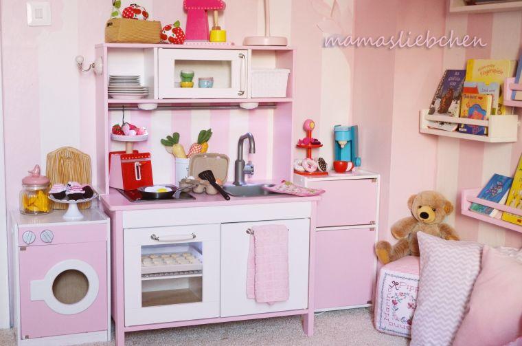 pretty in pink kinderreich ikea spielk che ikea. Black Bedroom Furniture Sets. Home Design Ideas