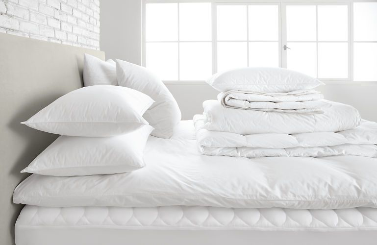Mattress Pad Modern Bedding Basics Modern Bedroom Furniture Modern Bed Mattress Pad Bed