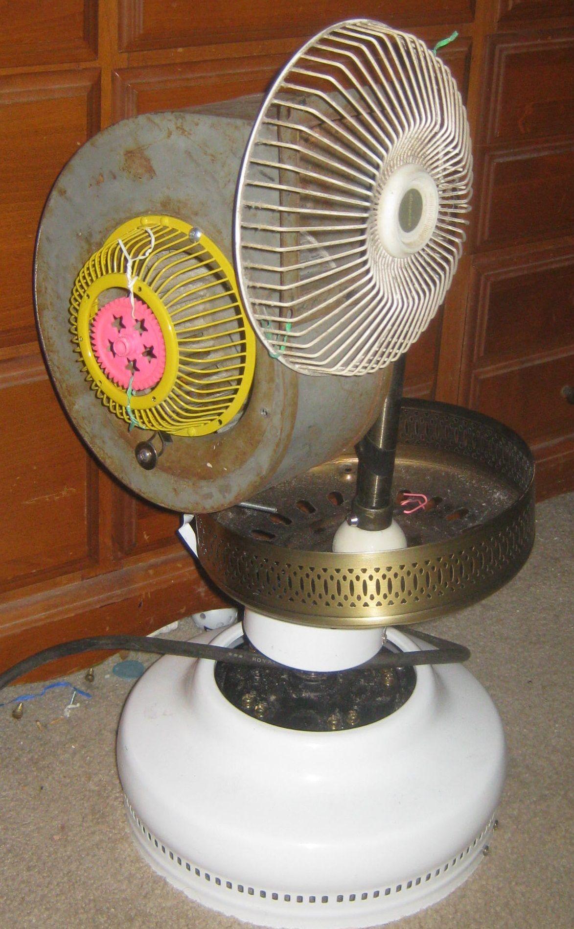 Broken Ceiling Fan Motor Random Various Fan Parts And A Blower Fan Ceiling Fan Motor Blower Fans Exhaust Fan