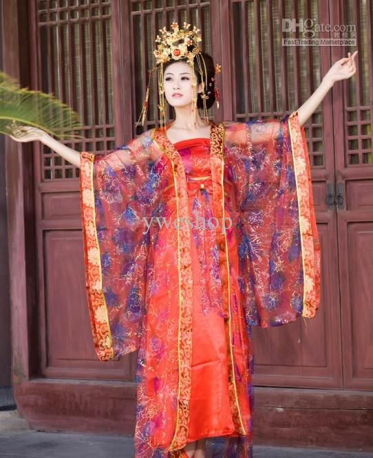 Although the fashion trend changes over time, there are several types that are popular till today both at home and abroad. Traditional Han Chinese Clothing (Han Fu): It refers to the attire worn by the Han people from the enthronement of the Yellow Emperor (about BC) till the late Ming Dynasty ( - .