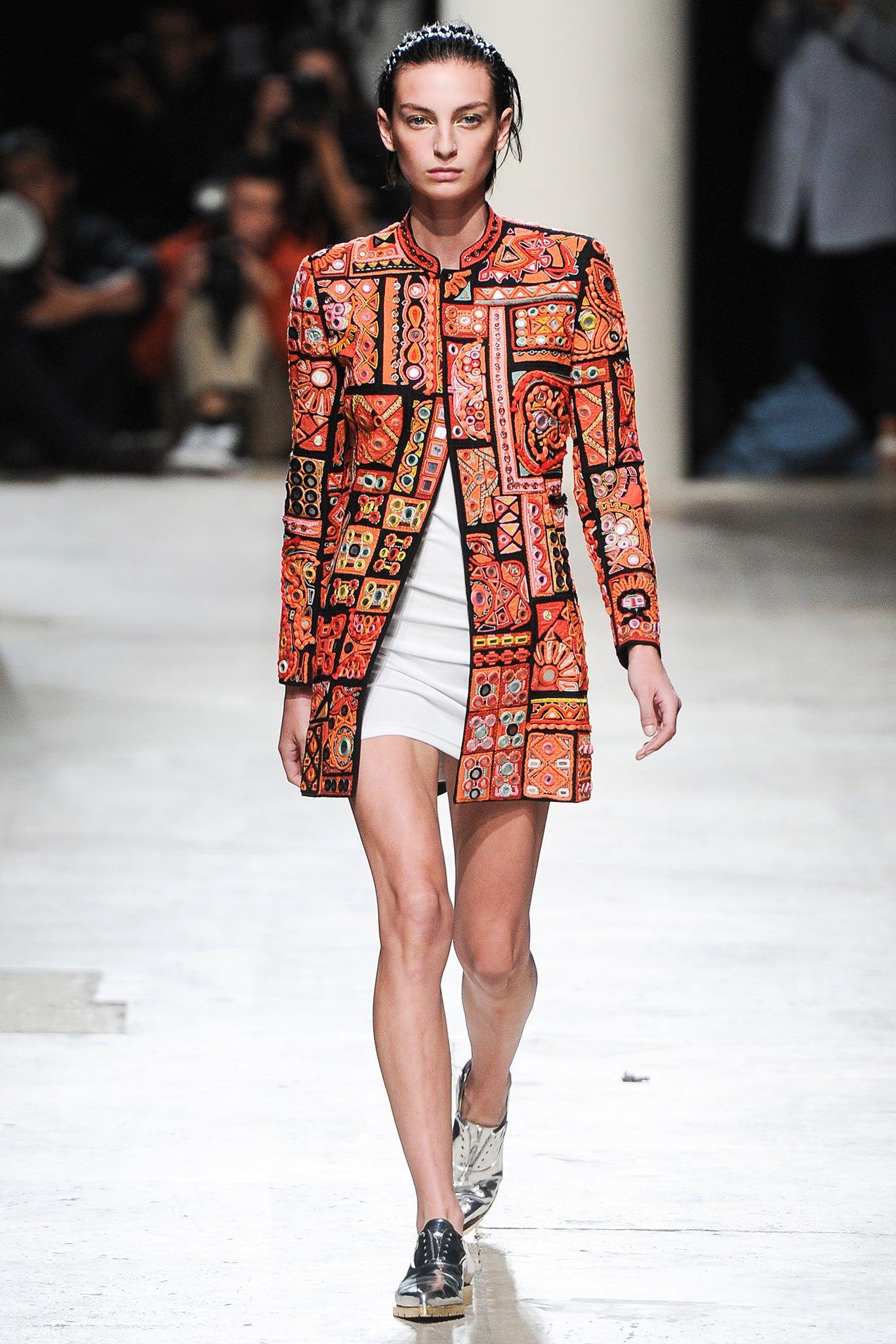 Barbara Bui SpringSummer 2019 Collection – Paris Fashion Week