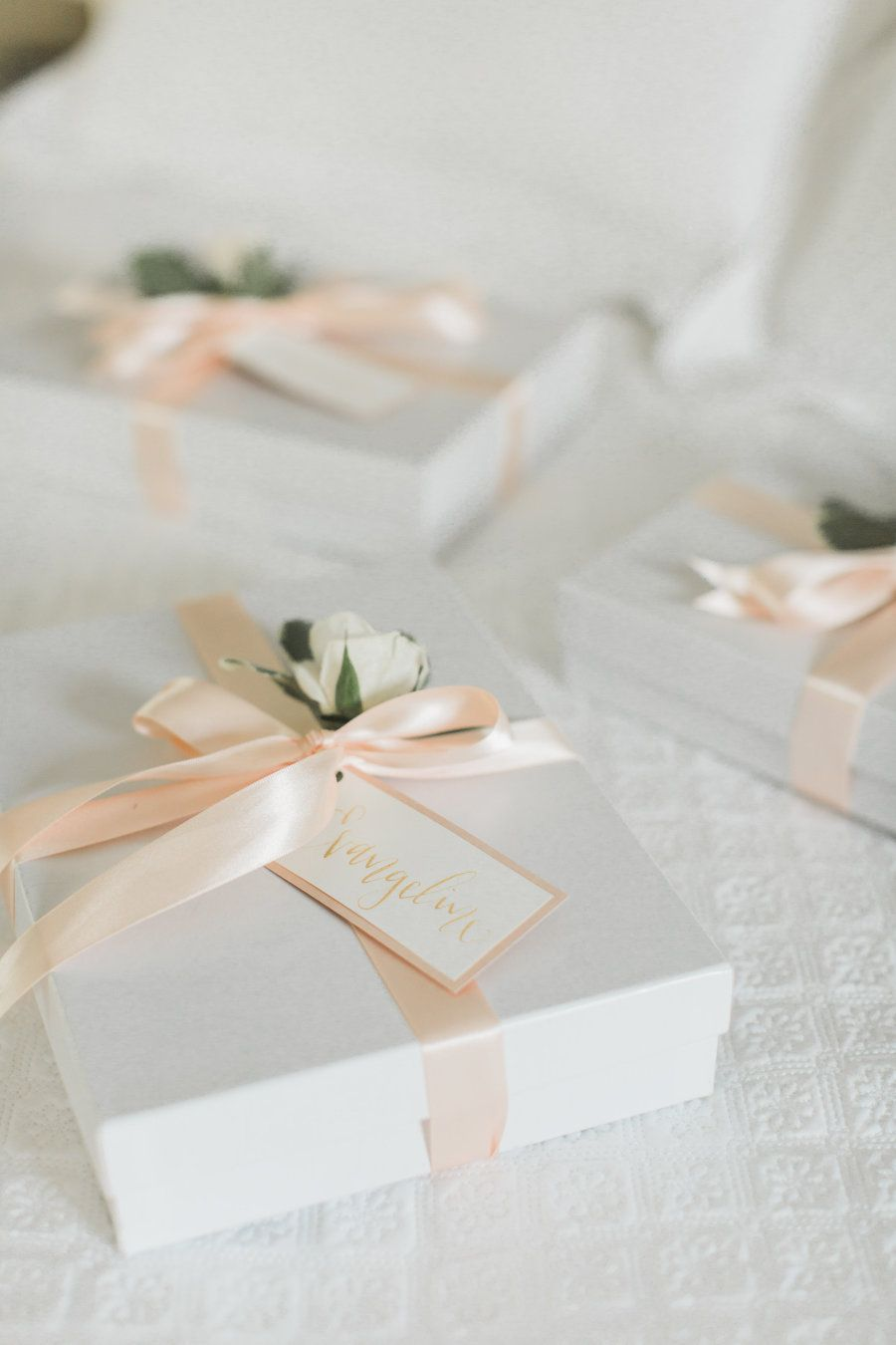 Your Visual Playbook the Prettiest Brunch Wedding | Favors, Weddings ...