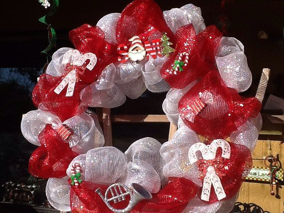 Clearance sale on our Mesh Christmas Wreaths by Nanascraftsembroider