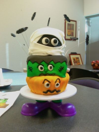 halloween cakes By grammatlcl on CakeCentral.com