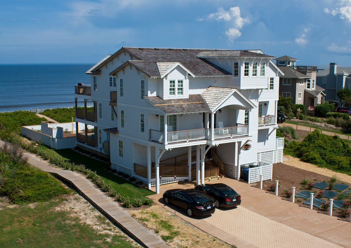 Frankly My Dear B643 is an Outer Banks Oceanfront