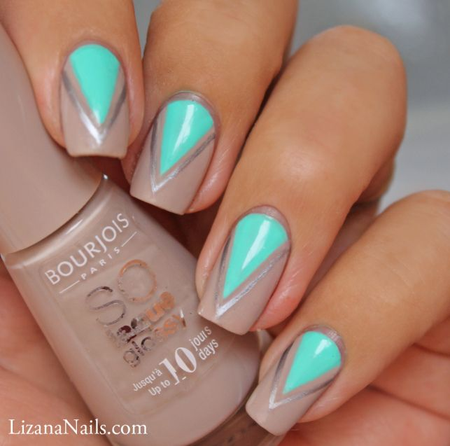 Triangle Nail Art by Lizananails Love the colour and design, works  perfectly! - Nail Art Triangles Love Nailart Pinterest Nail Art, Triangle