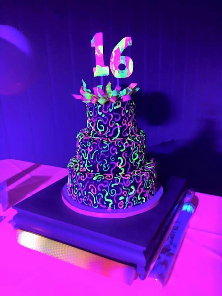 Glowing Cake Using Disco Dust With Piping Gel Kaylie