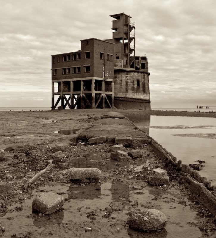 Abandoned Places Medway: Grain Battery Tower, Isle Of Grain, Kent