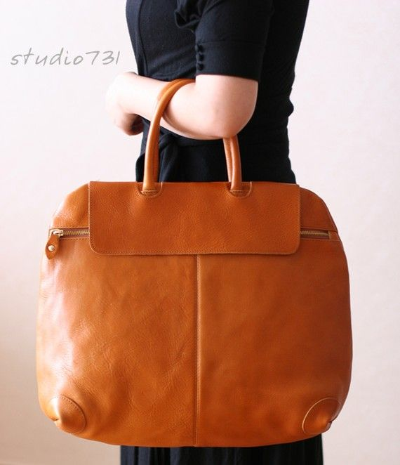 Elegant Large Leather Tote Bag - Tan Brown