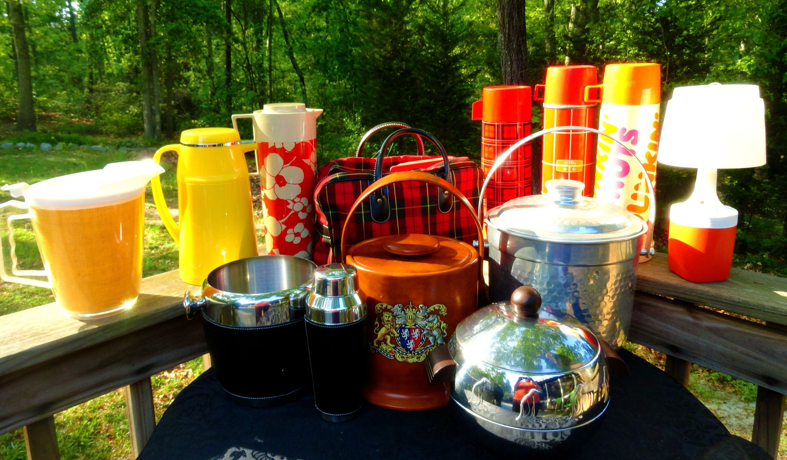 All of this Summer Vintage Picnic, Thermos, and beverage pitchers are now on the MOD Squad Picking eBay auctions!