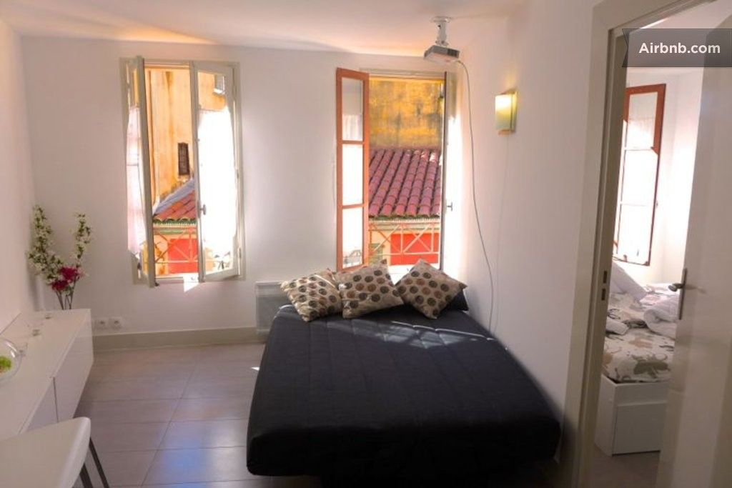Https Www Airbnb Fr Rooms 1000691 Appartement Logement Entier Rue Du Malonat Nice Provence Alpes Cote D Azur Louer Un Appartement Cote D Azur Logement