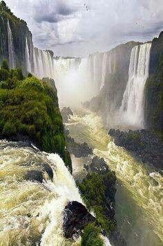 Iguaza Falls , Argentina