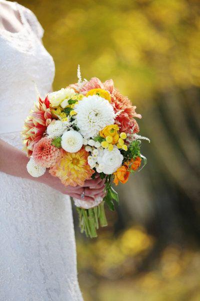 Boulder Colorado Wedding From Anna Be Bridal Boutique Part I Colorado Wedding Wedding Flowers Wedding