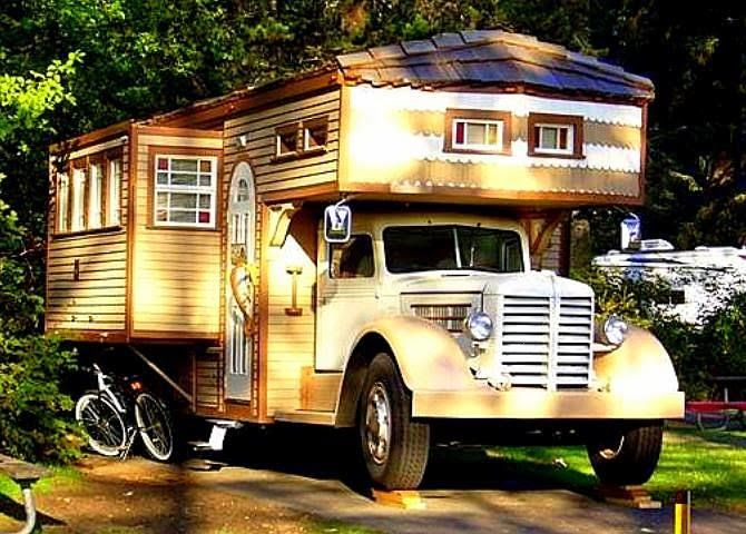 The Flying Tortoise: Look At This Beautiful 1951 Federal Housetruck...