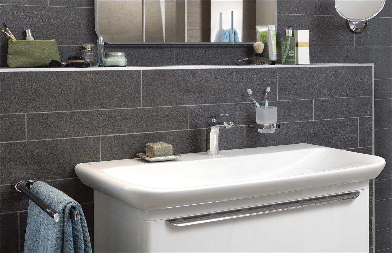 Mooie voorzetwand achter wastafel | Badkamer | Pinterest