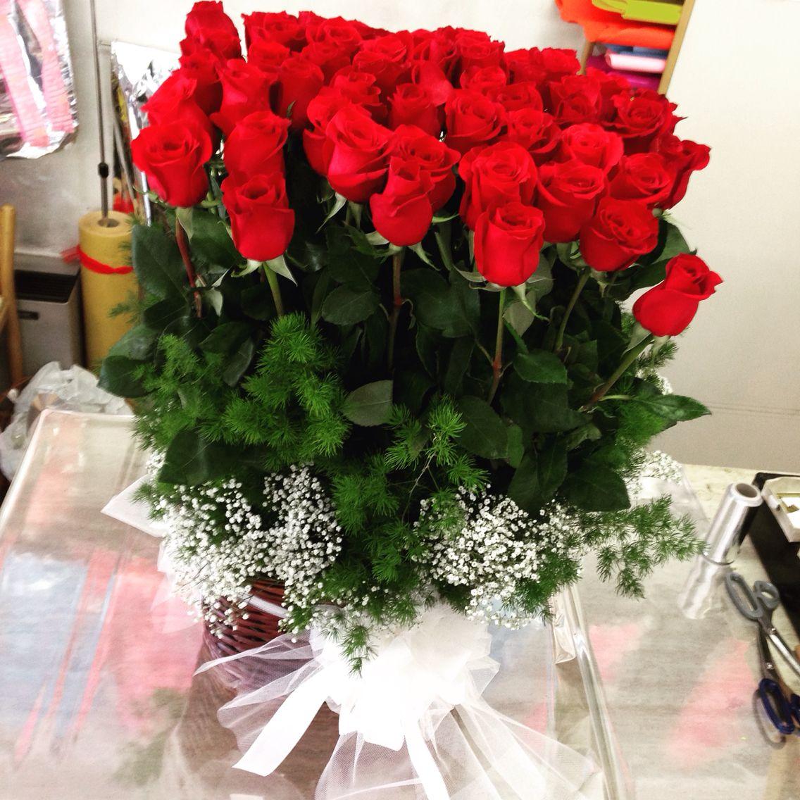 59 Rose Rosse Per Un Anniversario Di Matrimonio Molto Longevo Frasi Per Matrimoni Anniversario Di Matrimonio Matrimonio Rosa
