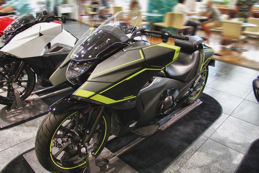 HONDA NM4-01 DECAL KIT YELLOW   T-Max   Motorcycle, Cars motorcycles