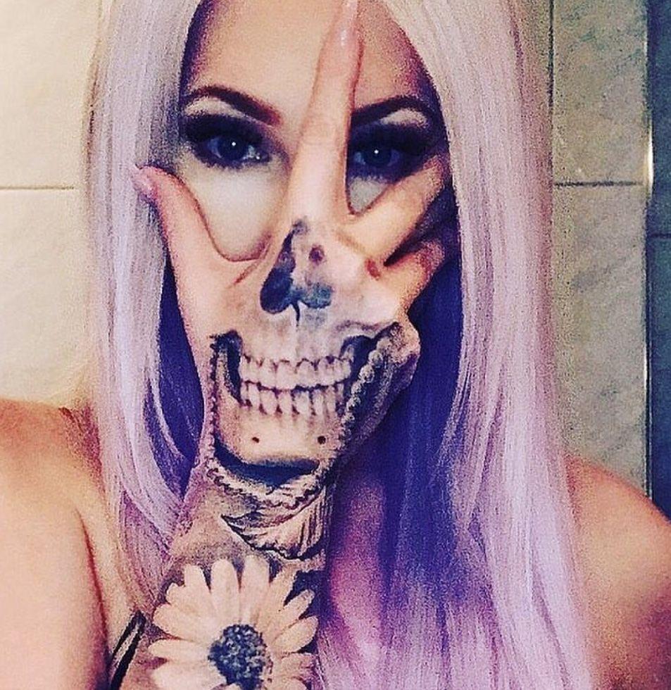 SKULL hand tattoo 💀 djkellyross
