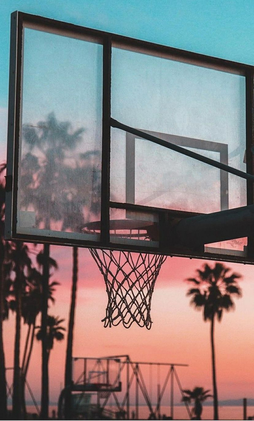 Pin By Yanna On Basketball Aesthetic Wallpapers Basketball Wallpaper Sports Wallpapers