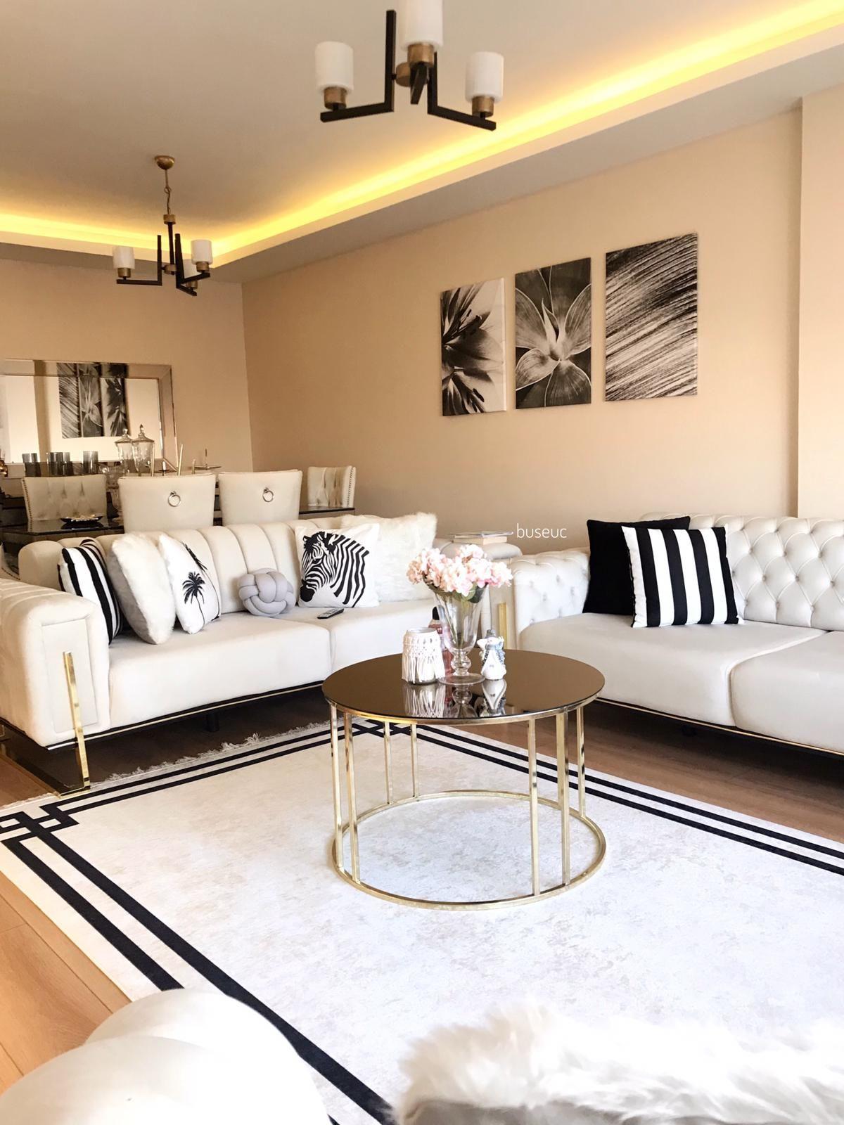 Beyazın Ferahlık Saçtığı Bu Evde Zarif Tasarımlar Her Köşede!