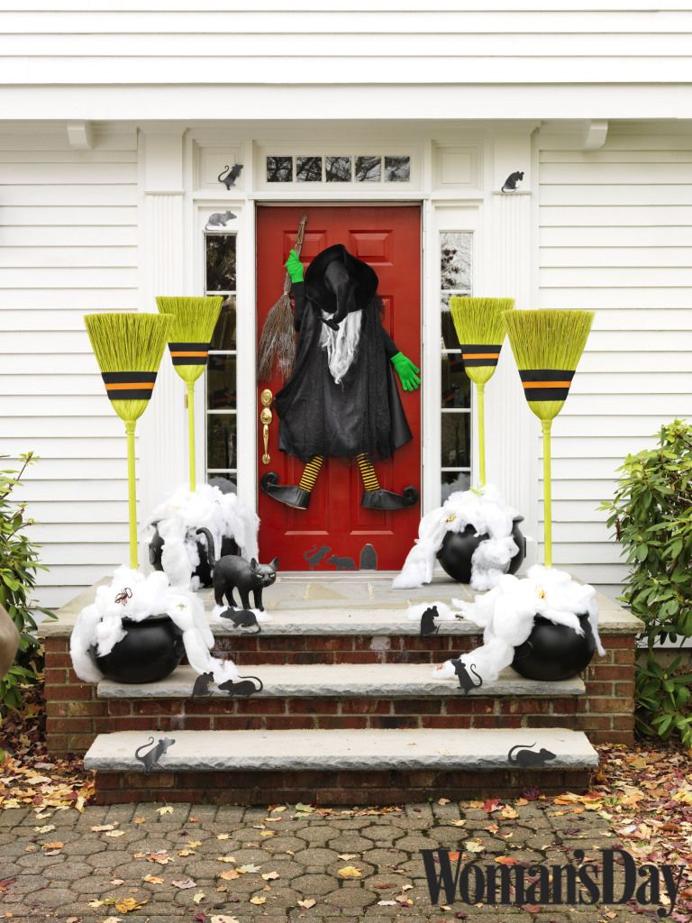 Halloween Decor Ideas  Treats from Woman\u0027s Day Halloween - Front Door Halloween Decoration Ideas
