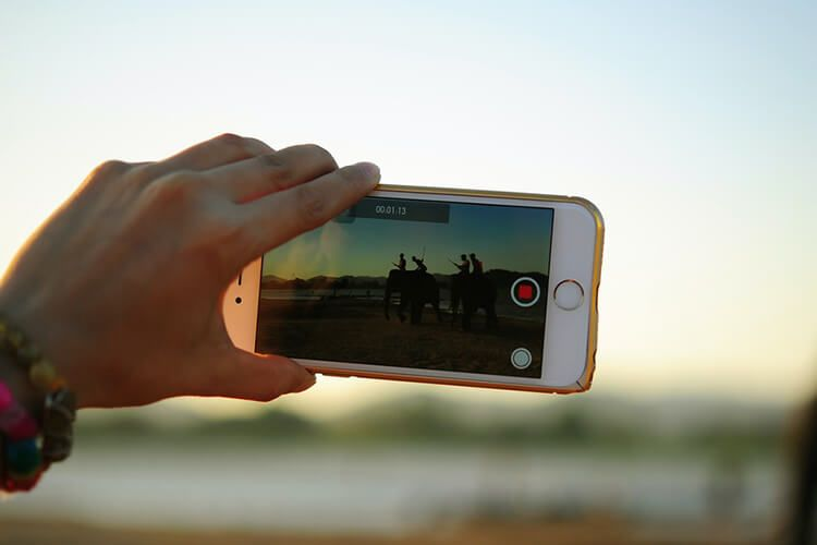 How To Combine Videos On Iphone And Ipad Mashtips Social Media Posting Schedule Social Media Schedule Smartphone Filmmaking