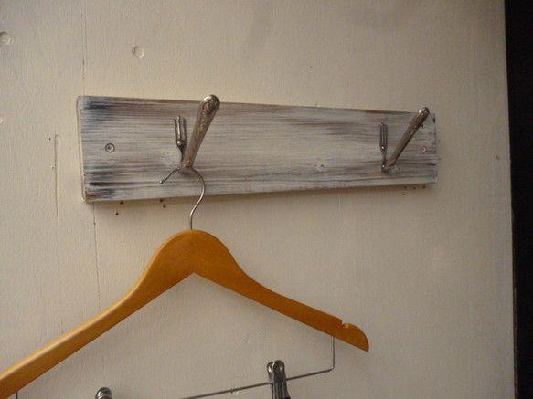 杉ムク板の壁掛け デザートフォークのフック 壁掛け フォーク 杉