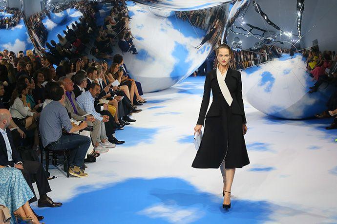 Показ Dior и технология LikeMirror: самое успешное мероприятие на Красной Площади | Event.ru