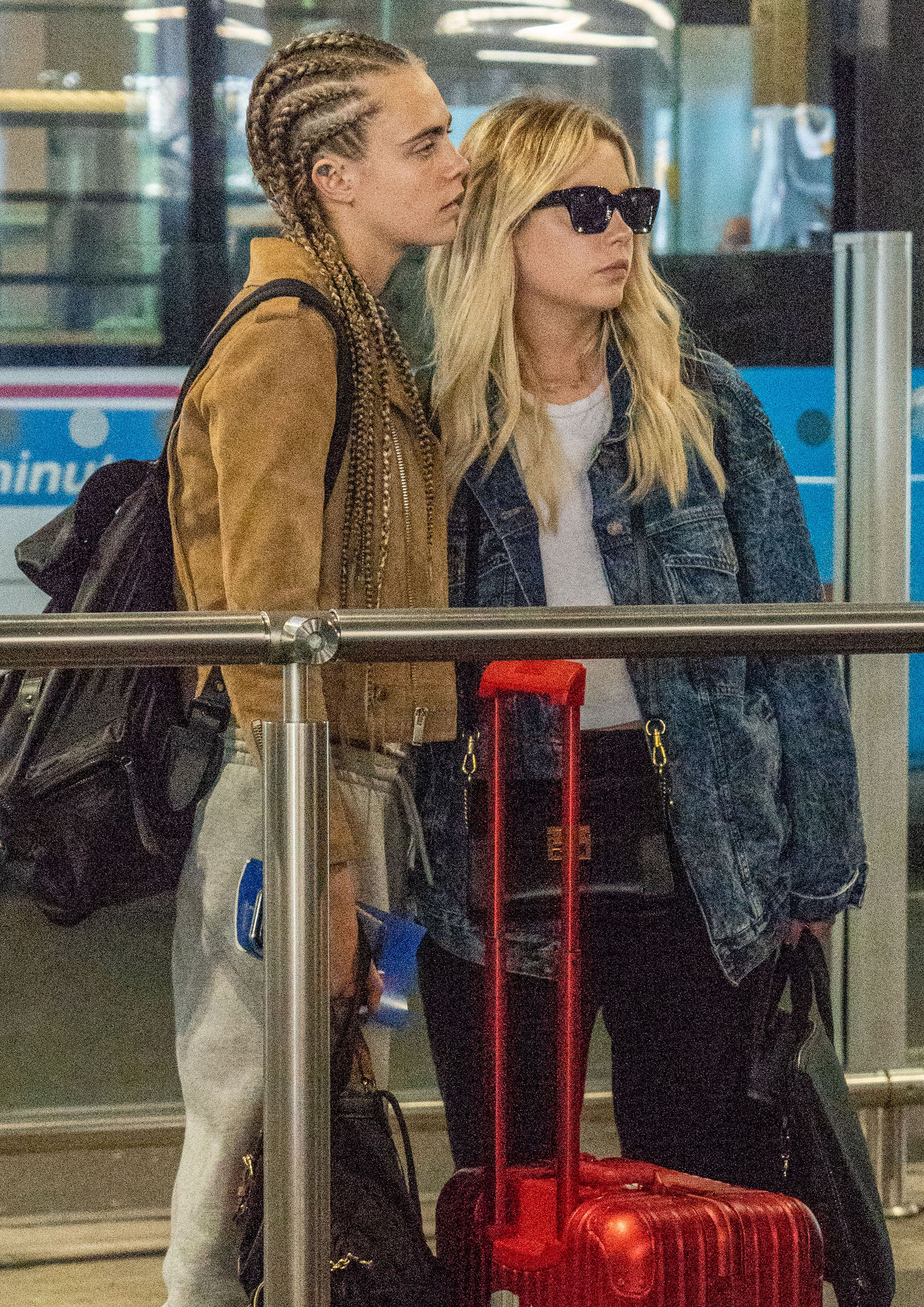 Pretty Little Liars Star Ashley Benson And Cara Delevingne Spotted