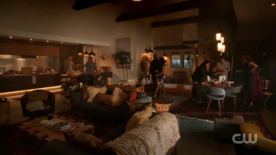 Barry Allen Iris West Apartment Season 3 Apartment Bedroom Decor Loft Design Loft Apartment