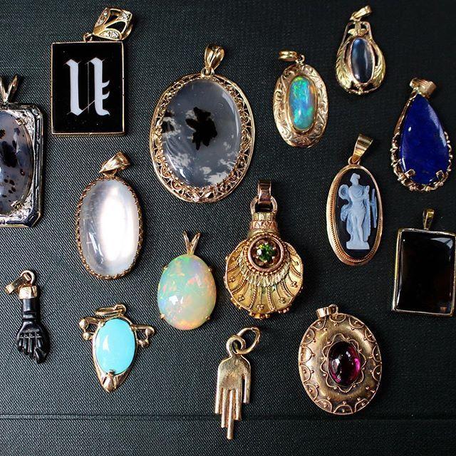 1b28acde7 Las Vegas Antique Jewelry & Watch Show 2018 - Gem Gossip - Jewelry Blog
