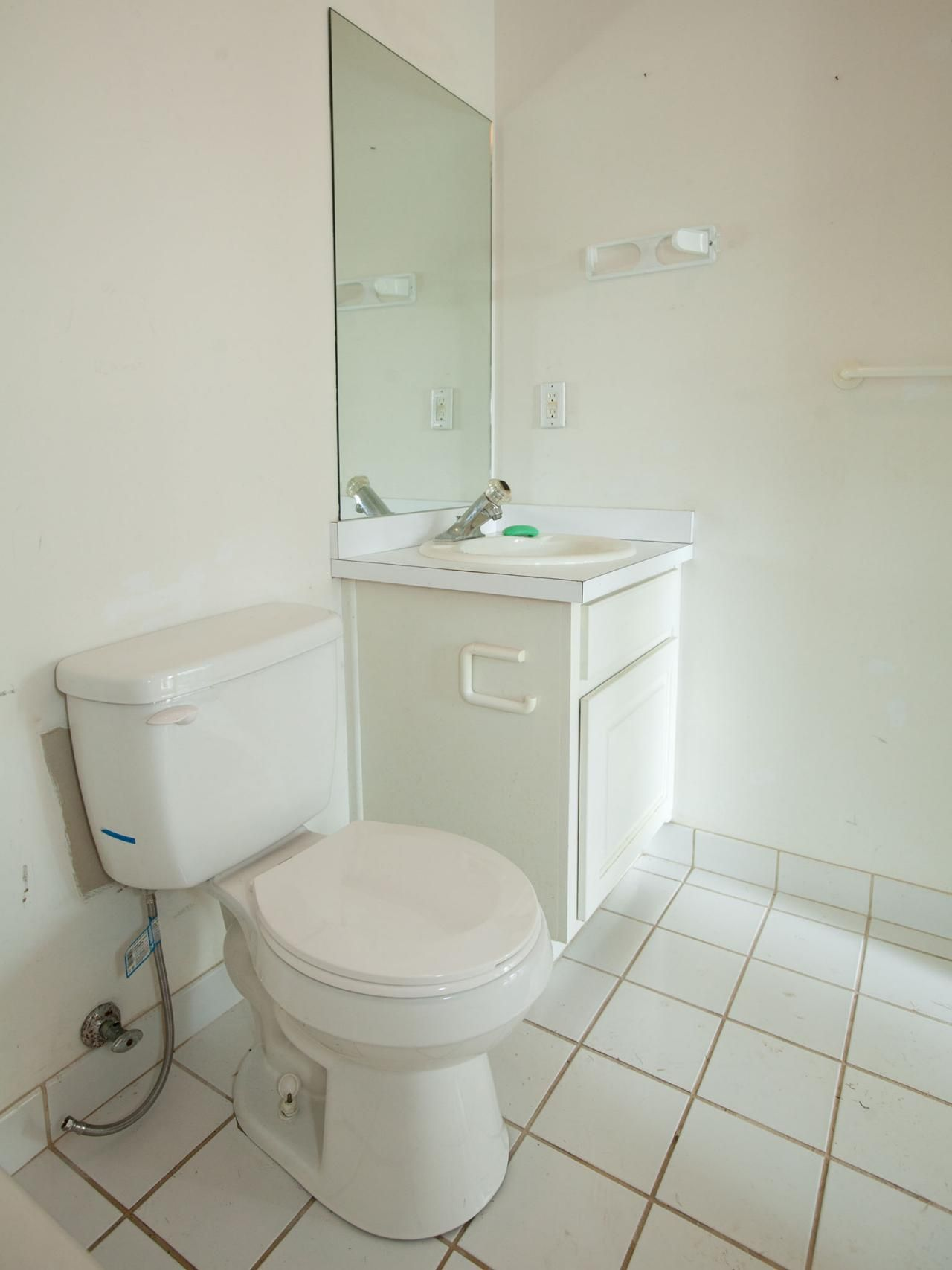 20 Small Bathroom Before And Afters Small Bathroom Remodel Bathrooms Remodel Small Bathroom